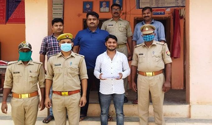गाजीपुर जिले की दुल्लहपुर पुलिस ने पशु तस्कर को किया गिरफ्तार, तमंचा-कारतूस बरामद