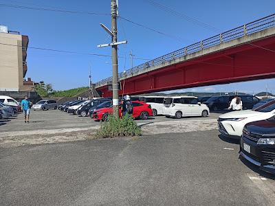フェリー乗り場の駐車場