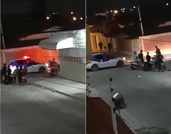 COMERCIANTE REAGE À TENTATIVA DE ASSALTO, TOMA ARMA E ATIRA CONTRA LADRÃO EM PAULO AFONSO