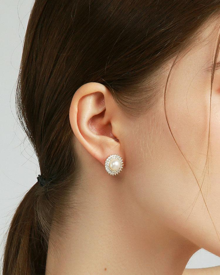 雍容爾雅淡水真珍珠耳環