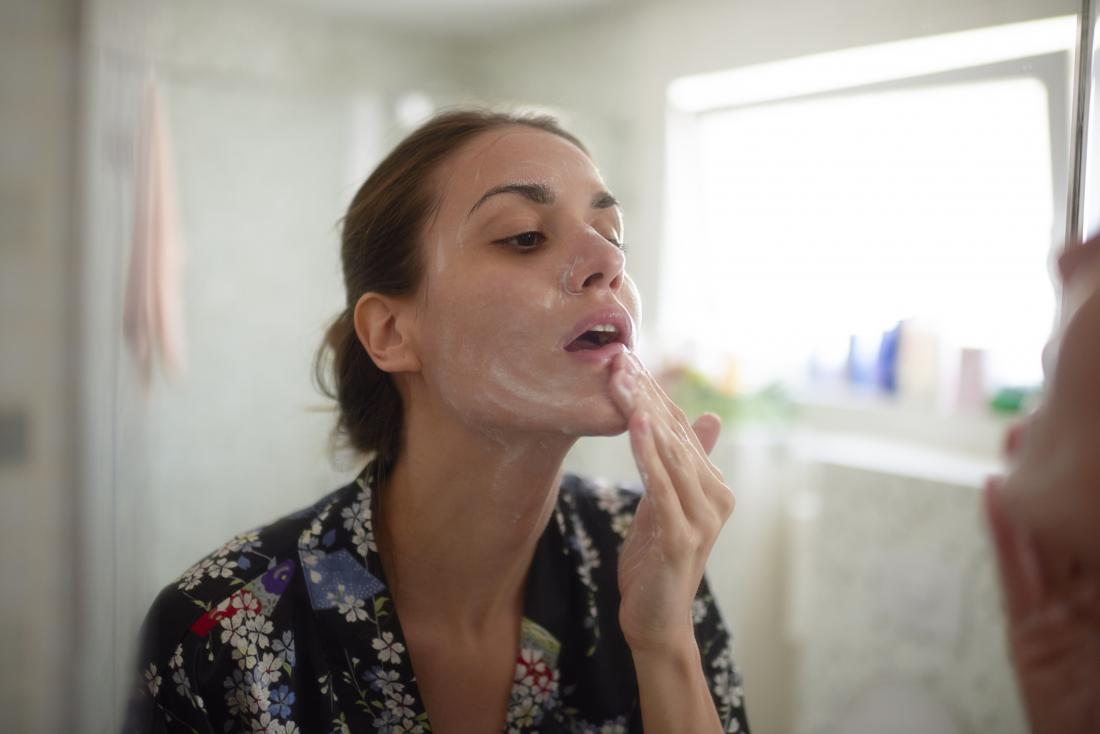 Dry skin around the mouth: Causes & remedies