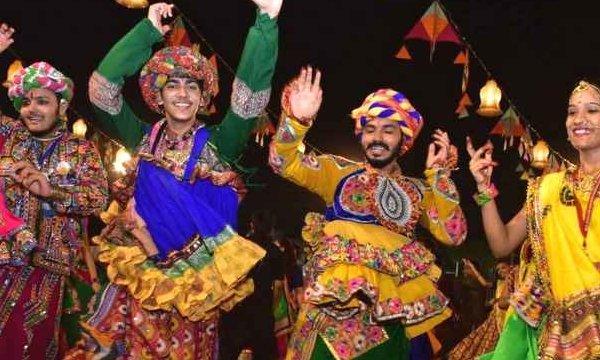 Navratri 2021: जानें नवरात्रि में 9 दिन किस दिन कौन-सा रंग पहनना चाहिए
