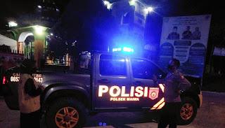 Menjaga Situasi Kamtibmas Di Malam Hari, Polsek Maiwa Polres Enrekang Laksanakan Patroli Blue light