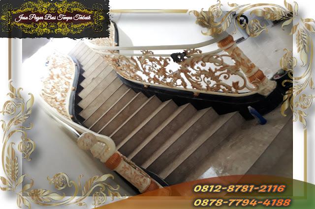 Foto railing tangga besi klasik di Cibinong, Bogor