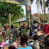 Peduli Warga Papua, TNI Bagikan Pakaian dan Sembako Kepada Warga di Perbatasan RI-PNG