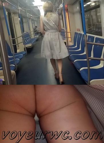 Upskirts 4639-4646 (Secretly taking an upskirt video of beautiful women on escalator)