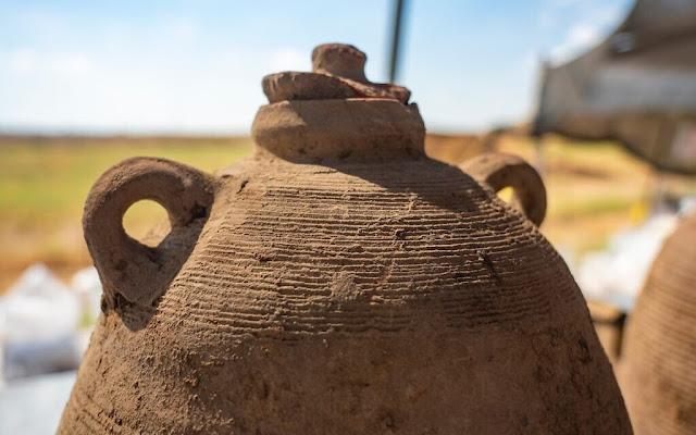 Israeli archaeologists discover massive Byzantine winemaking complex