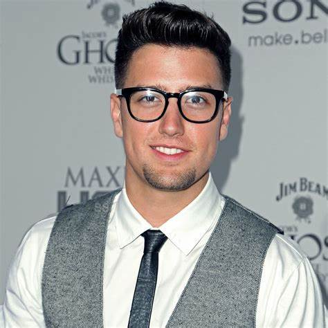 Logan Henderson Net Worth, Income, Salary, Earnings, Biography, How much money make?