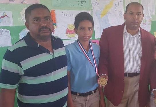 Federación Dominicana de Ajedrez felicita al ajedrecista Miguel Ángel Hernández Lora por ganar bronce en Olimpiadas de Matemáticas de Centroamérica.