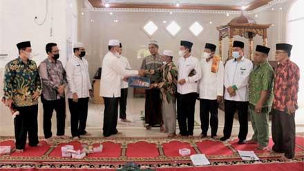 Jumat Berkah di Masjid Nurul Iman Ophir