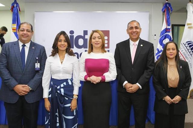 Indotel y el programa Supérate pondrán en marcha proyecto para beneficiar a 2 mil hogares con acceso a  internet