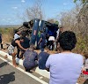 Ônibus tomba e deixa quatro mortos e vários feridos na BR-135, no sul do Piauí