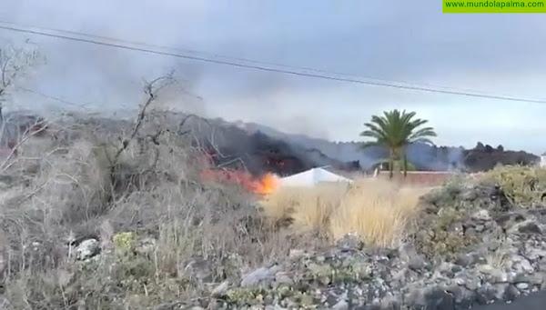 Las nuevas coladas del volcán discurren por zonas ya evacuadas y dentro del área de exclusión