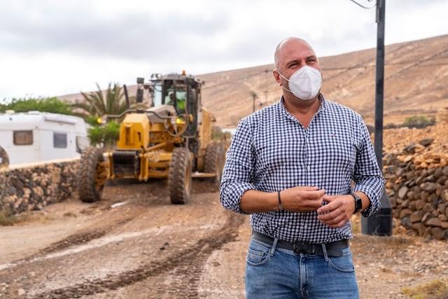 Cabildo de Fuerteventura  avanza en el arreglo de la red de caminos