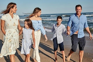 Bella Cuomo with her parents & siblings