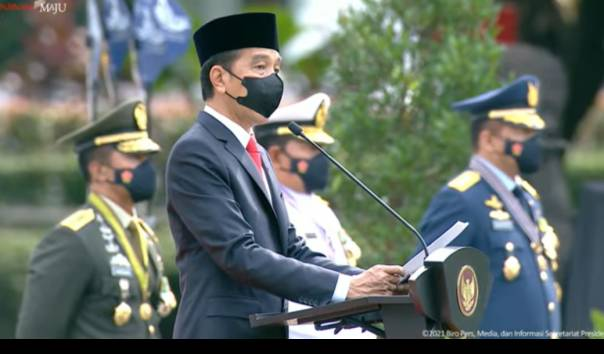 Jokowi Terima Laporan Kapal-kapal China dan AS Melintas di Natuna