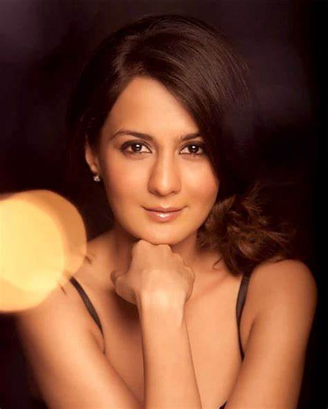 Pooja Ruparel Net Worth, Income, Salary, Earnings, Biography, How much money make?