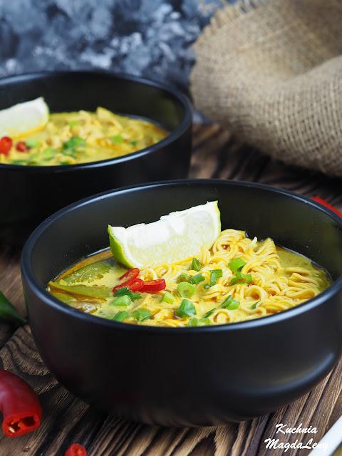 Warzywna zupa curry