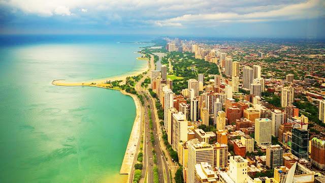 Beautiful coastal city desktop wallpaper