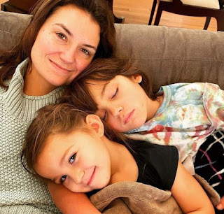 Picture of Krystal Ball with her kids