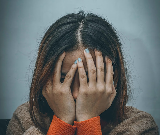 3 Mistakes We Make When We Feel Anxious in tamil