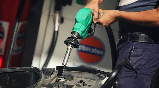 हवाई जहाज के ईंधन से भी महंगा है आपकी कार-बाइक में इस्तेमाल होने वाला पेट्रोल