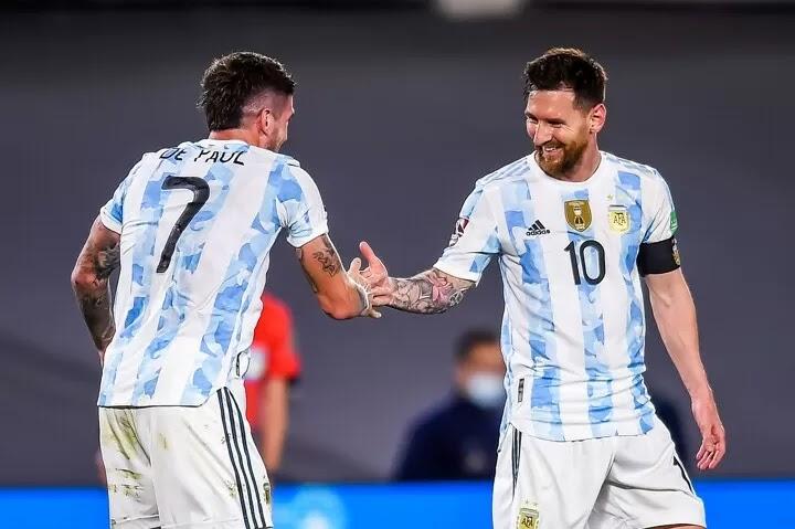 Messi, De Paul & Lautaro tear through Uruguay defense