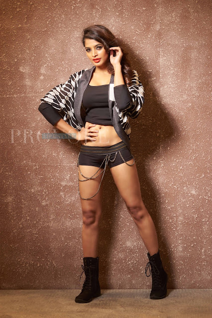 Tamil Actress Sanchita Shetty Sexy Photo Stills in New Outfit Navel Queens