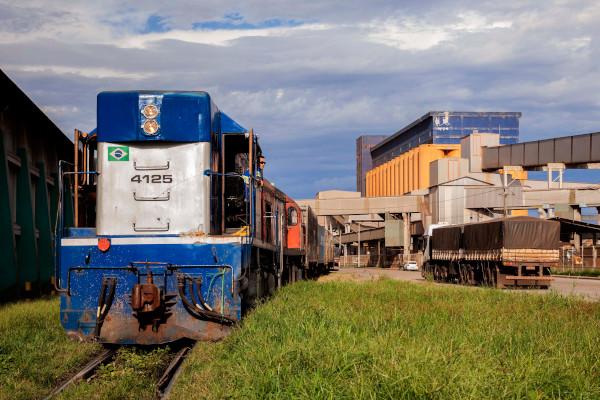Ampliação de portos e ferrovias torna o Paraná em hub logístico