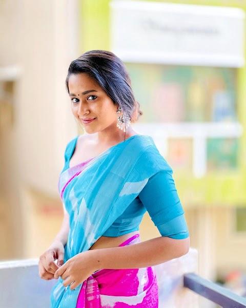 Kaavya Arivumani HD Pictures