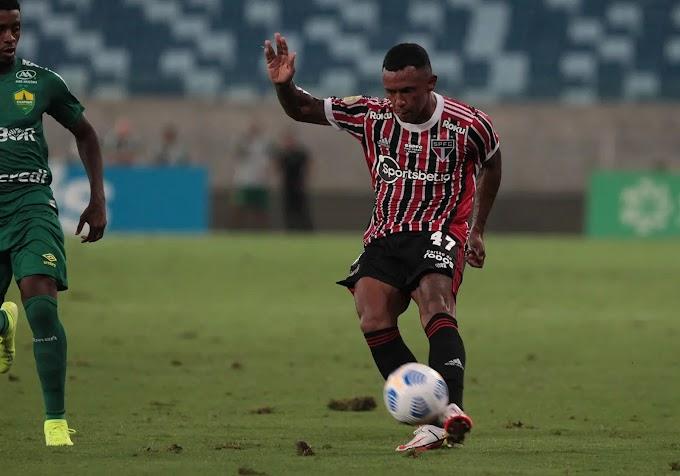 Clube que mais cruza no Brasileirão, São Paulo tem o 5º pior aproveitamento no fundamento
