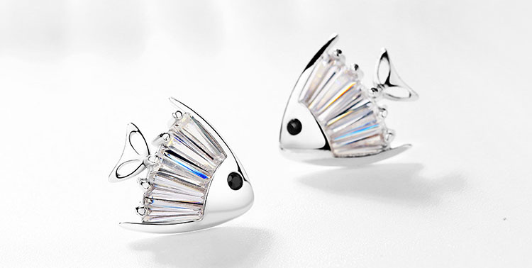 超 cute水晶魚鋯石耳環