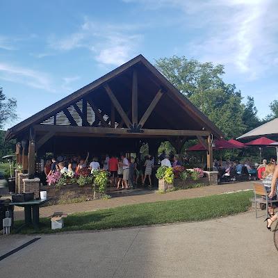 dancing, patio, Debonne Vineyards, outdoor dancing