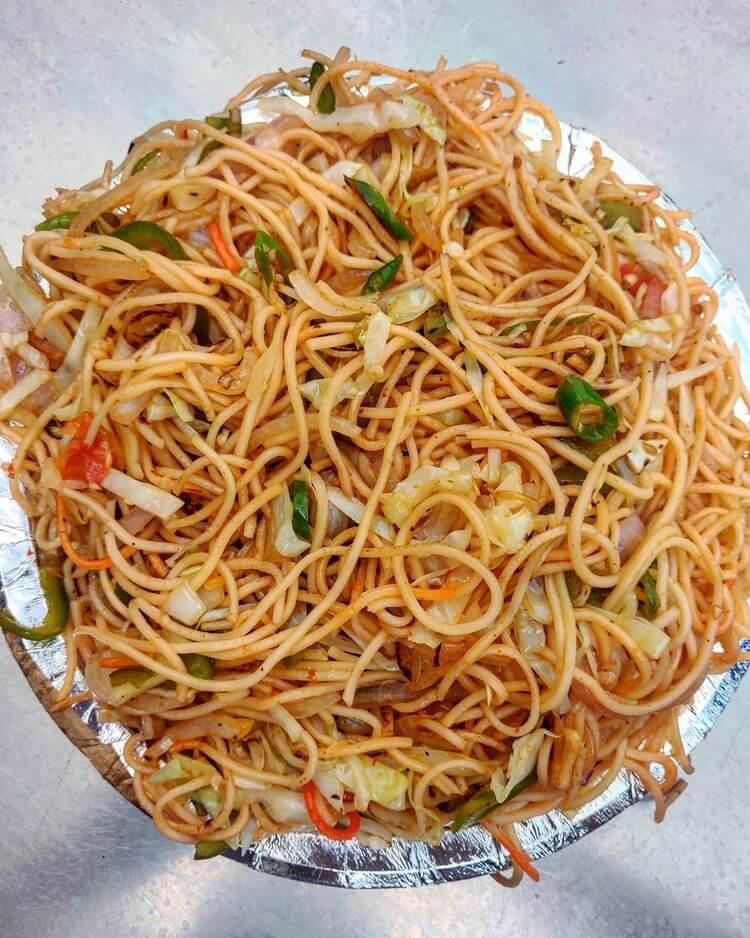 Street style chilli garlic noodles