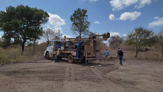 Governo do Estado inicia perfuração de poços na zona rural de Felipe Guerra