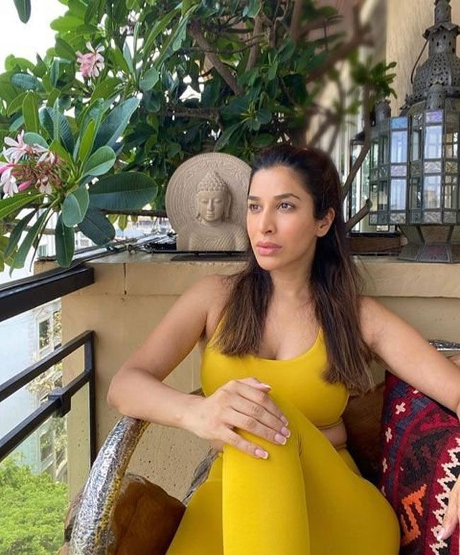 Pic of the day: Sophie Choudry Latest Pictures