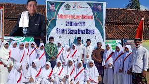 PT Sinarmas Multifinance Syariah Cabang Bima Ikuti Upacara Peringatan HSN di Ponpes Darul Hikmah | SorotNTB