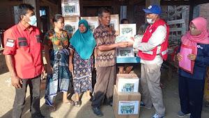 PMI Kab. Dompu Serahkan Bantuan Tanggap Darurat Bagi Korban Kebakaran di Monta Baru