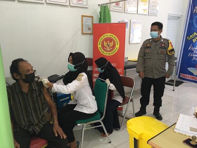 Ratusan Masyarakat Dendang Ikuti Vaksinasi Massal BIN Indonesia Sehat, Indonesia Hebat