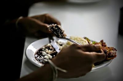 Por que está tão caro comer o básico no Brasil?
