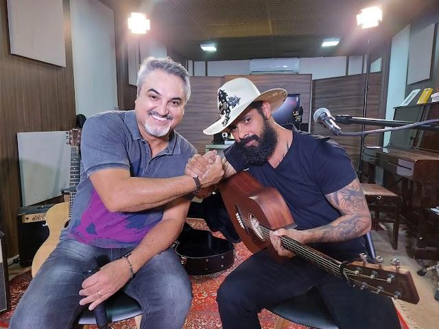 João Carreiro faz aparição inédita na TV após período de depressão e lança novas músicas