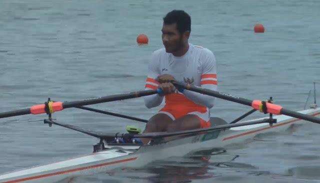 Atlet Rowing Maluku, La Memo Tampil Memukau di Arena Dayung Teluk Youtefa