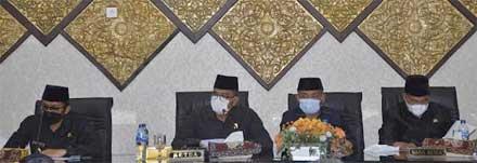 Hendri Septa dan pimpinan DPRD Padang