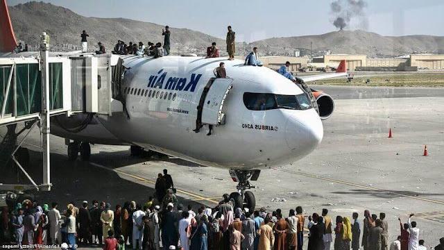 كابل,مطار كابل,مطار كابول,كابول,هروب جماعي إلى مطار كابل,المطار,مطار,داخل مطار كابل,فوضى داخل مطار كابل,فوضى مطار كابول,هروب الآلاف إلى مطار كابل,مشاهد الفوضى في مطار كابل,العاصمة الأفغانية كابل,سقوط كابل,كابل الان,صور تظهر الفوضى والهلع داخل مطار كابل,نزوح مئات العائلات الأفغانية إلى كابل,سيطرة طالبان على كابل,طالبان في كابول,مطار حامد كرزاي الدولي,مسئول أمن طالبان في كابول,ارهاب,أميركا,حركة طالبان,رئيس الاركان الامريكي,الملا برادار,بلير