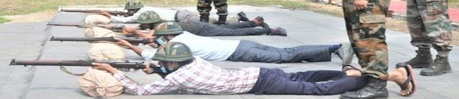 Amidst Movement Of Terrorists Along Borders, Army Trains Vdc Members In Shooting