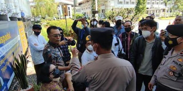 Sentul City dan Rocky Gerung Berdamai, ProDEM: Kami Tak Berhenti Berjuang Bersama Rakyat Bj. Koneng!