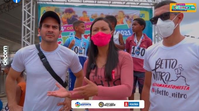Prefeitura de Poções, por meio da Coordenação de Esportes, e em parceria com o grupo Águia Running, realizou a 4ª Corrida da Criança 2021