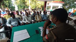 नवरात्र व विजयदशमी को लेकर प्रधानों के साथ हुई पीस कमेटी बैठक   #NayaSaberaNetwork