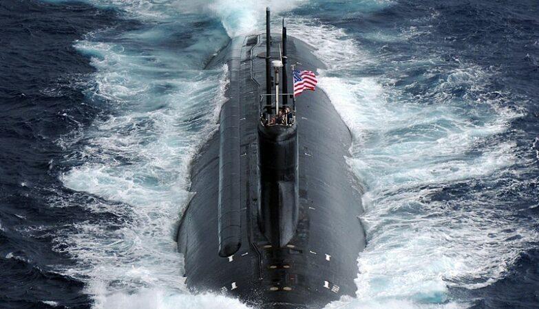 Submarino americano colide com objeto não identificado no Mar da China Meridional