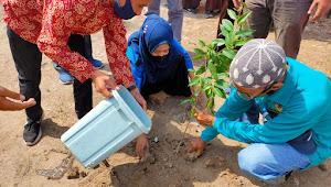 Gandeng Dinas Lingkungan Hidup, Mahasiswa KKL FKIP UNSA Bersama SMAN 1 Lape Dukung Pelestarian Lingkungan